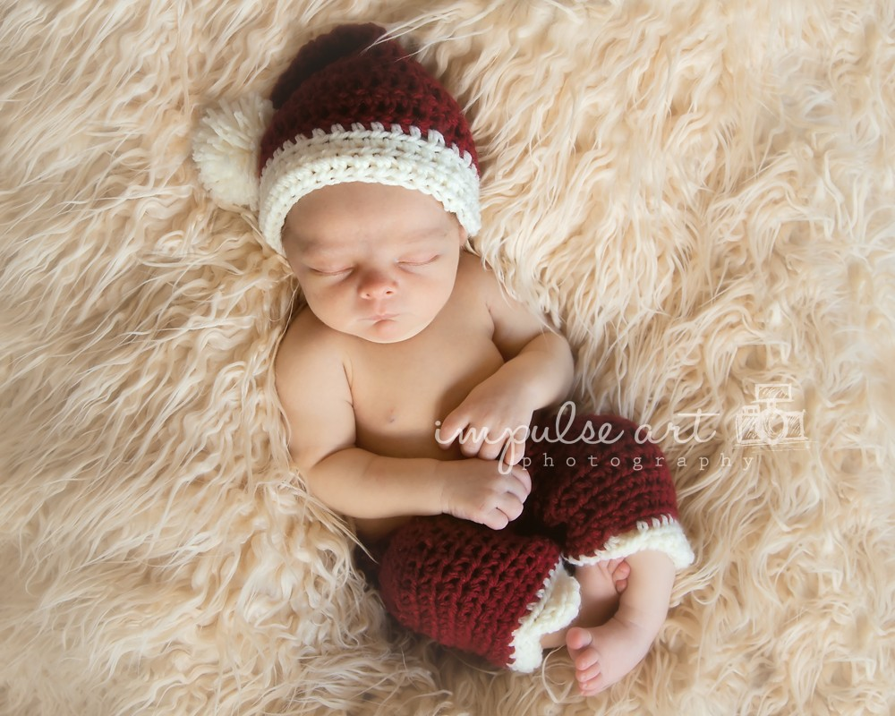 Newborn Santa Hat Crochet Pattern - Leelee Knits