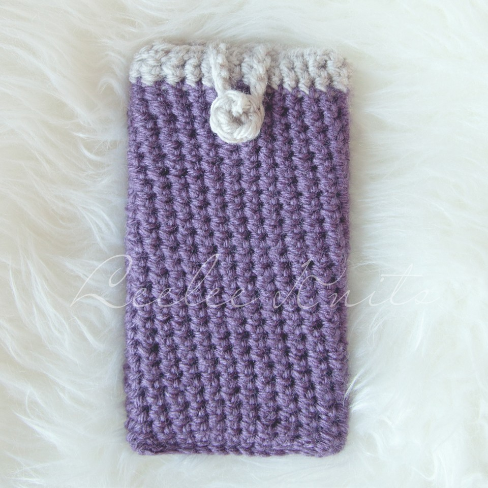 Free Crochet Pattern For I Phone Case : Leelee Knits Blog Archive Free iPhone Case Crochet ...