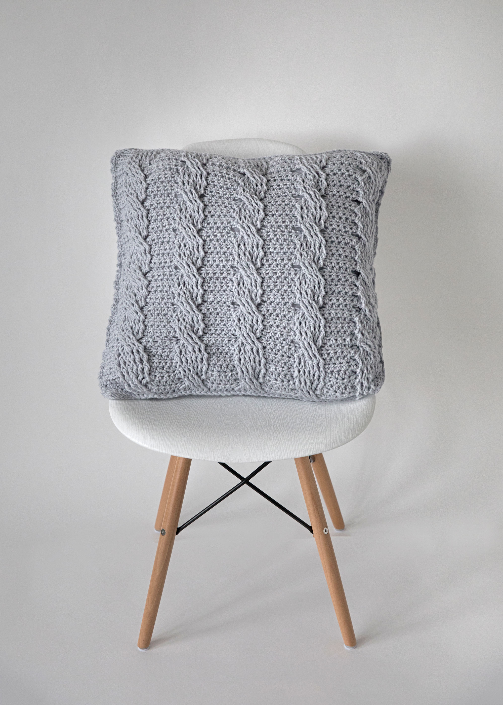 Crochet Cabled Throw Pillow Pattern Leelee Knits
